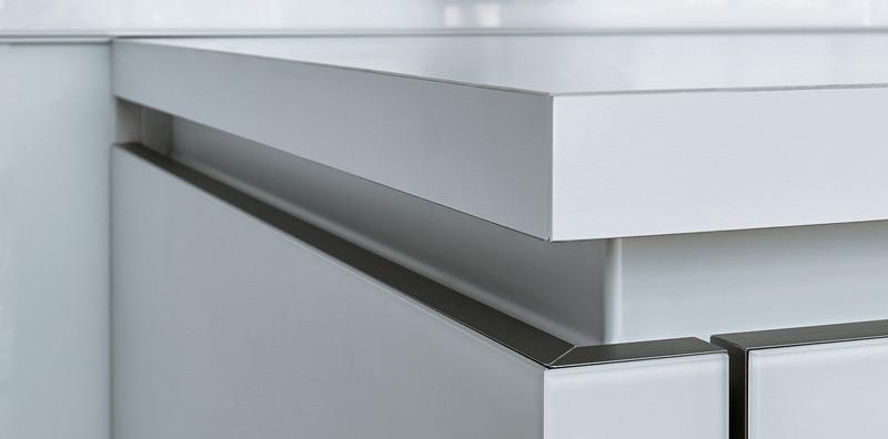 Next 125 - NX902 Glass Matt Polar White Detail